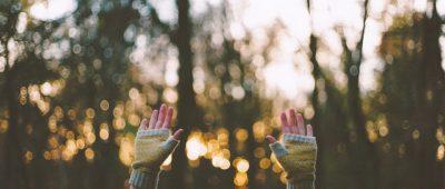 Закоханий у себе не може бути здатний на справжню любов.  (Василь Сухомлинський)